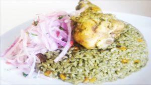 fotografía de arroz con pollo