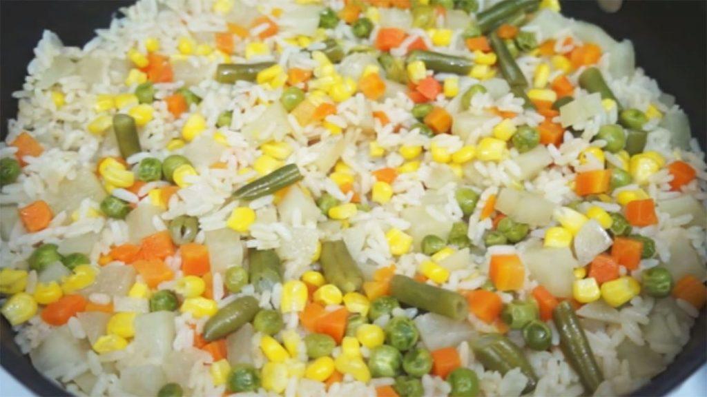 receta de arroz a la jardinera blanco