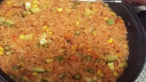 imagen de arroz a la jardinera rojo