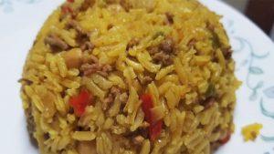 imagen de arroz a la milanesa con carne molida