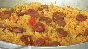 imagen de arroz a la milanesa con chorizo