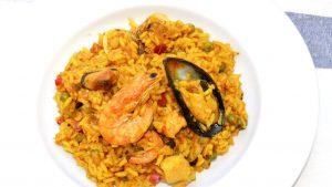 imagen de arroz con mariscos colombiano