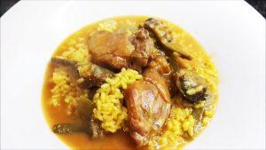 imagen de arroz con pato y alcachofas