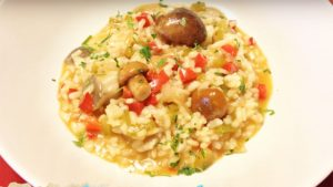 imagen de arroz con verduras y setas