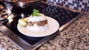 imagen de arroz tapado con alcachofas