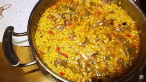 imagen de arroz con pato y verduras
